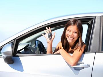 important: el conductor jove ha de figurar com a prenedor de la pòlissa